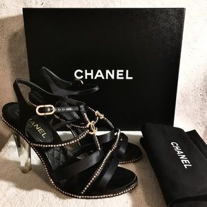 CHANEL sandals *Guaranteed authenticity*